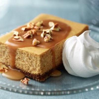 Cheesecake de abóbora, caramelo e noz-pecã