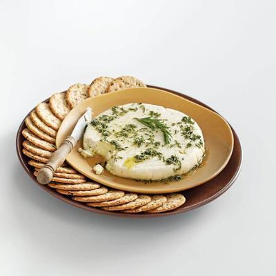 queijo feta de amêndoa com óleo de ervas