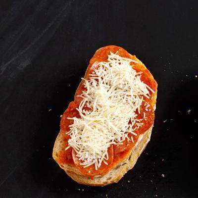 pizza de queijo grelhado