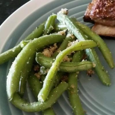 feijão verde com migalhas de pão