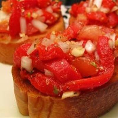 bruschetta com pimentos vermelhos doces assados