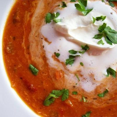 sopa de pimenta vermelha e caranguejo assada