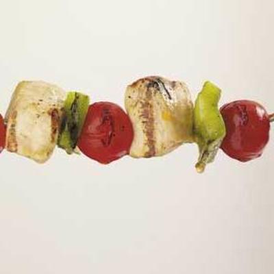 kabobs de legumes de frango