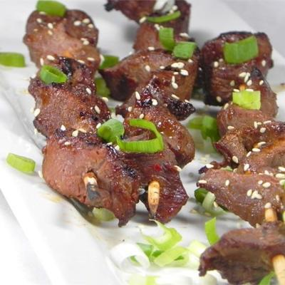 espetos de carne hoisin-ginger