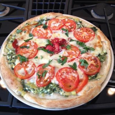 pizza vermelha, branca e verde