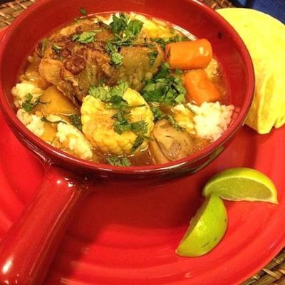 sopa de carne de boi mexicana