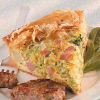 torta de brócolis, presunto e queijo
