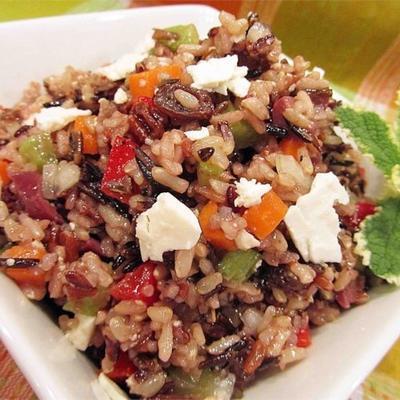 salada mediterrânea de arroz integral