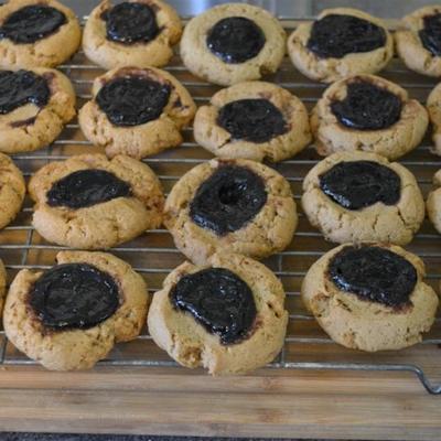 biscoitos de manteiga de amendoim e geléia de impressão digital