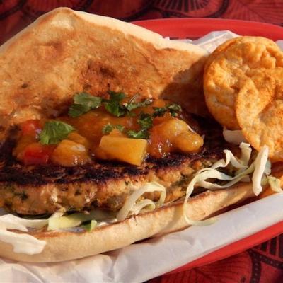 hambúrgueres de frango tandoori