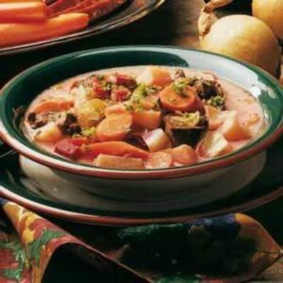 sopa de legumes ao estilo russo