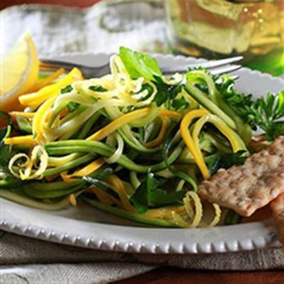 salada herbácea com vinagrete de limão