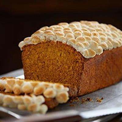 pão de abóbora especiarias com marshmallows torrados