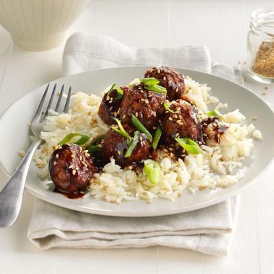 http://www.chewoutloud.com/2015/02/19/easy-asian-glazed-meatballs/