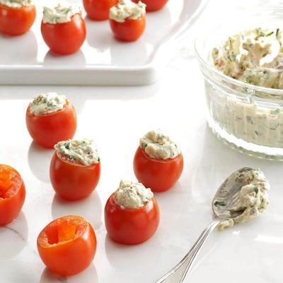 mordidas de tomate alegre