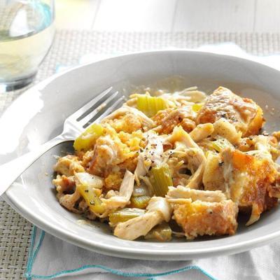 frango fogão lento e pão de milho