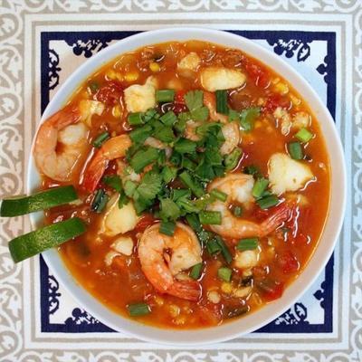 tomate picante, frutos do mar e ensopado de chouriço