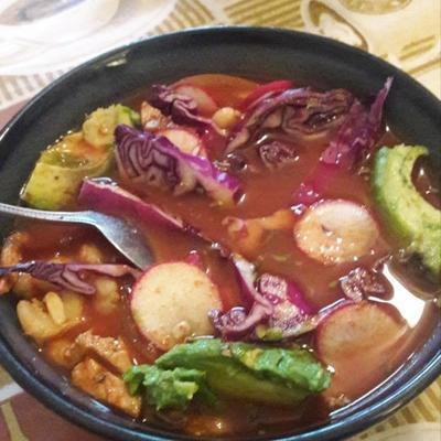 pozole rojo (carne de porco mexicana e guisado de canjica)