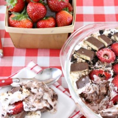 bolo de chocolate morango crocante icebox