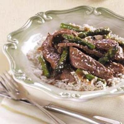 espargos de carne oriental