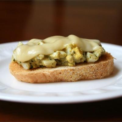 sanduíche de salada de ovo gourmet
