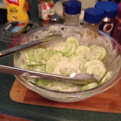 salada de pepino cremoso jardim