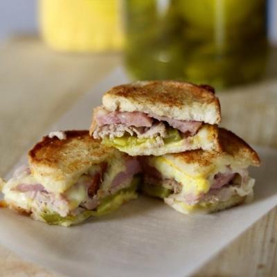picadas de sanduíche cubano