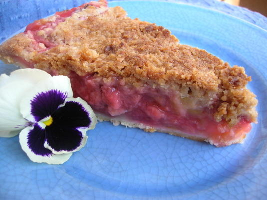 torta de streusel de ruibarbo de morango