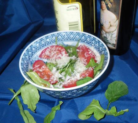 rúcula (rúcula) e salada de parmesão