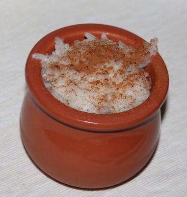 arroz doce com canela (roz mafooar)
