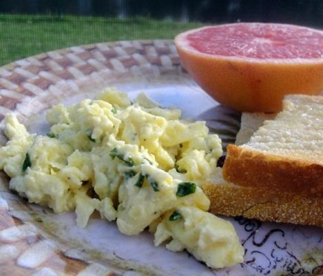 ovos de libbie com topos de cebola