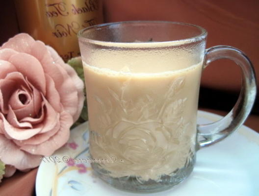 kazakh chai (chá cazaque)