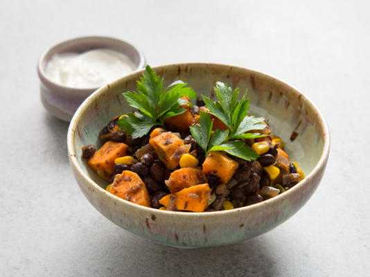 batata-doce, milho e feijão preto
