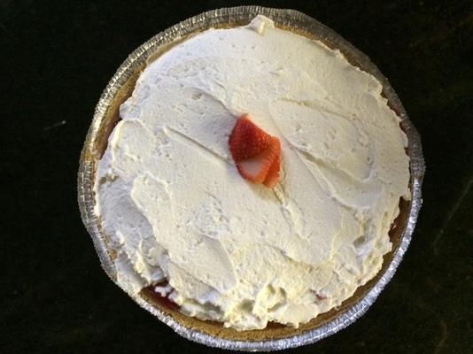 torta de morango fresca de strawn