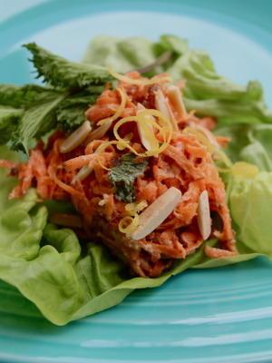 salada de cenoura marroquina com datas e iogurte (vegan-friendly)