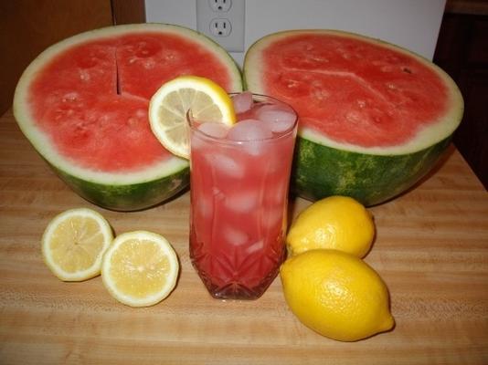 limonada refrescante de melancia
