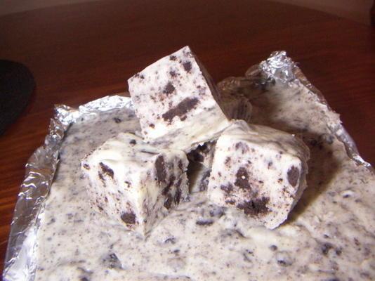 biscoitos e creme de chocolate