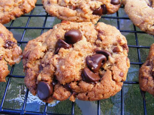 bolinhos de microplaqueta de chocolate crocante do caramelo