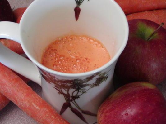 suco de maçã e cenoura