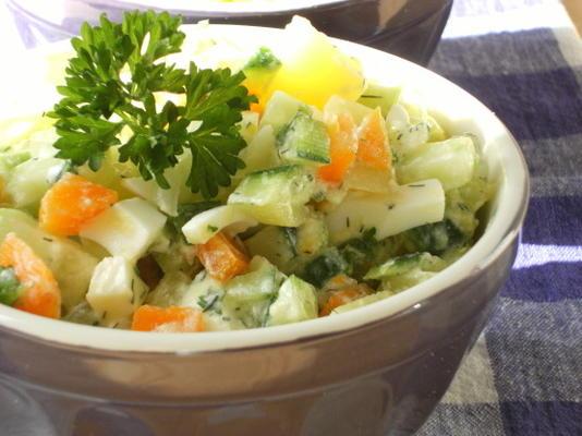 salada de estilo russo (salat olivier)