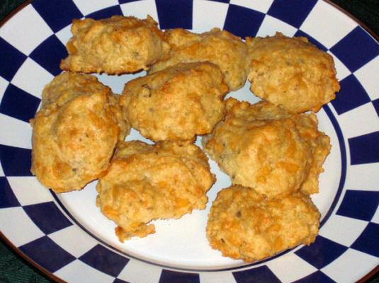 biscoitos de ervas de queijo