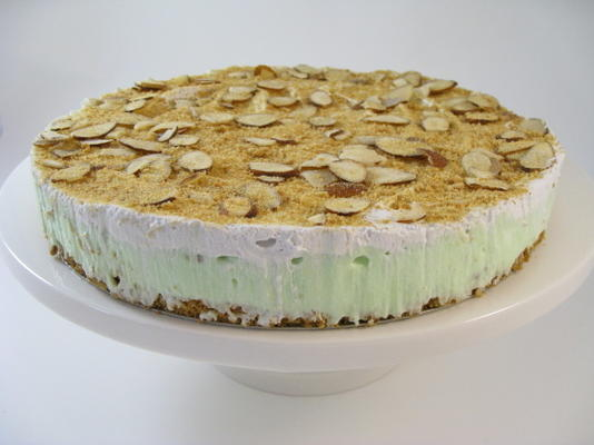 torta de pudim de amêndoa de pistache de Páscoa