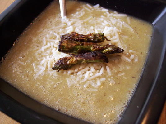 espargos assados e sopa de batata