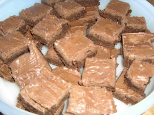 pedaços de brownie de fudge dupla