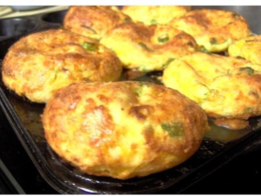 popovers cebola verde-parmesão