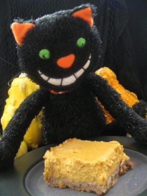 torta de abóbora cítrica em uma crosta de noz