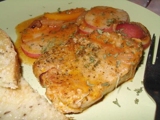 costeleta de porco fácil, saboroso jantar em uma panela