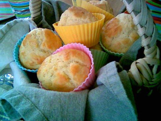 muffins de feta e cebolinha