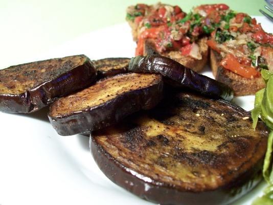 berinjela (berinjela) croutons