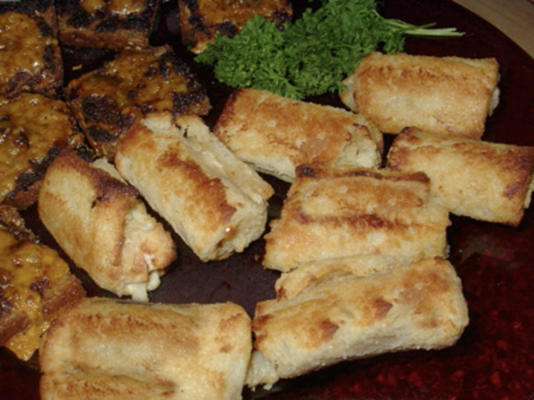 fileiras de espargos queijo azul